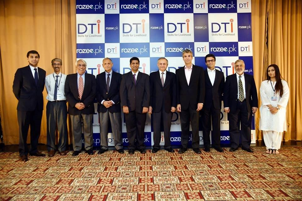 Launching ceremony's picture of all DTI & Rozee.pk personnel